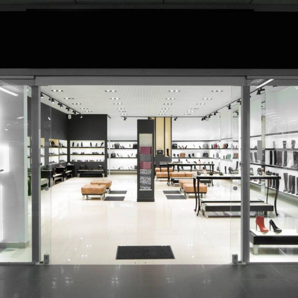 2. ออกแบบร้านค้า + Creative Marketing ปั้นยอดขาย